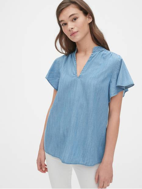 Flutter Sleeve V-Neck Top in TENCEL&#153