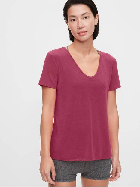 GapFit Breathe Scoopneck T-Shirt